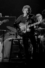 Bob-Dylan-with-The-Band-1975-1