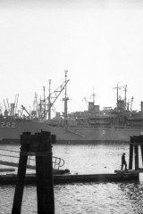 USS-Kitty-Hawk-1-Vietnam-War