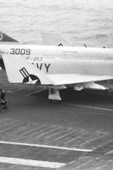 USS-Kitty-Hawk-10