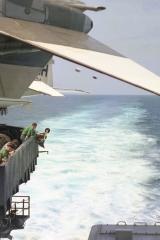 USS-Kitty-Hawk-1967-5