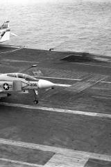 USS-Kitty-Hawk-3